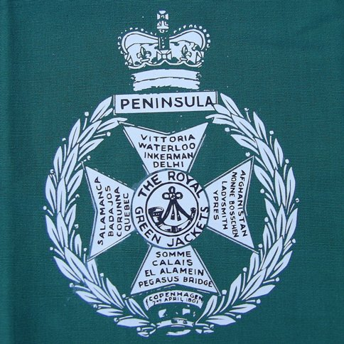 Royal Green Jacket Small Pennant 11 x 7 Inches - Relics Replica Weapons