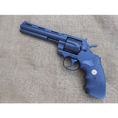 Replica Magnum .357 calibre Revolver with 6 inch barrel in resin plastic - Relics Replica Weapons