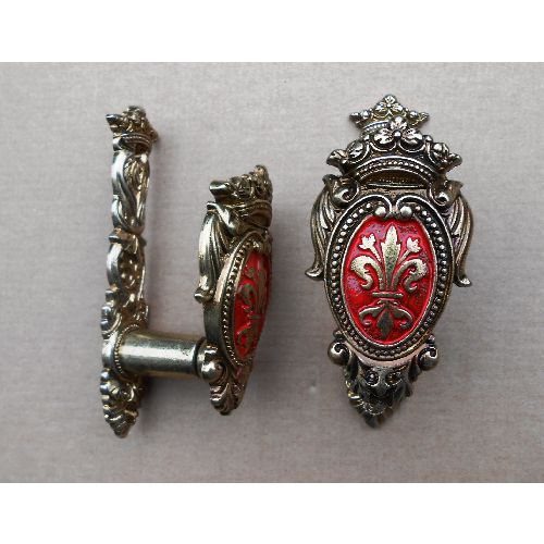 Rifle and Musket wall mounts. Red fleur de Lys