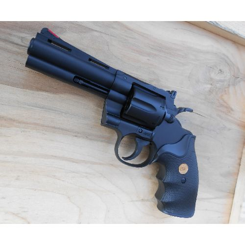 Magnum .357 calibre replica Revolver with 4 inch barrel in resin plastic - Relics Replica Weapons