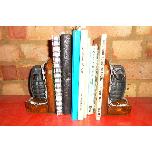M2 Pineapple GRENADE BOOKENDS WAR ART REPLICA  - Relics Replica Weapons
