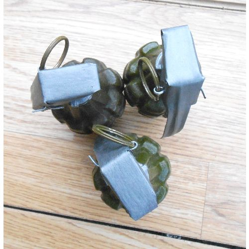M2 Fragmentation Pineapple Grenade Hard Resin Full Size Copy - Relics Replica Weapons