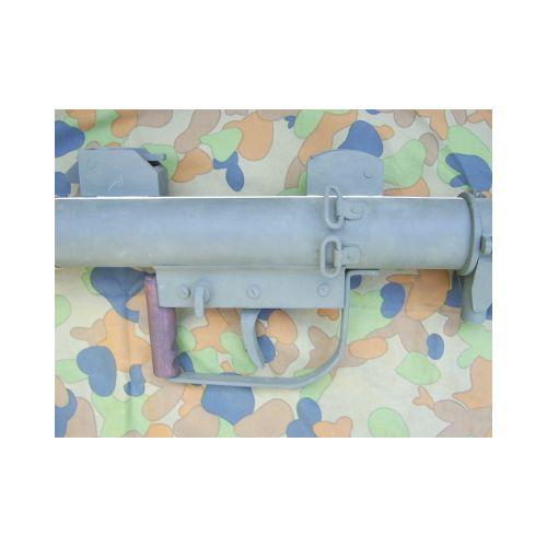P.I.A.T. WW2 British anti-tank launcher - Relics Replica Weapons