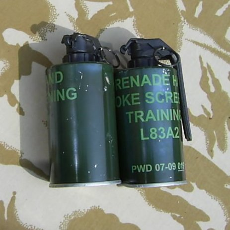 BRITISH L83 A2 SMOKE SCREEN GRENADES - Relics Replica Weapons