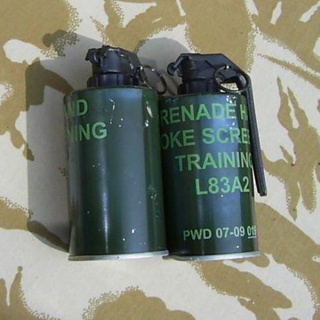 BRITISH L83 A2 SMOKE SCREEN GRENADES - Relics Replica Weapons
