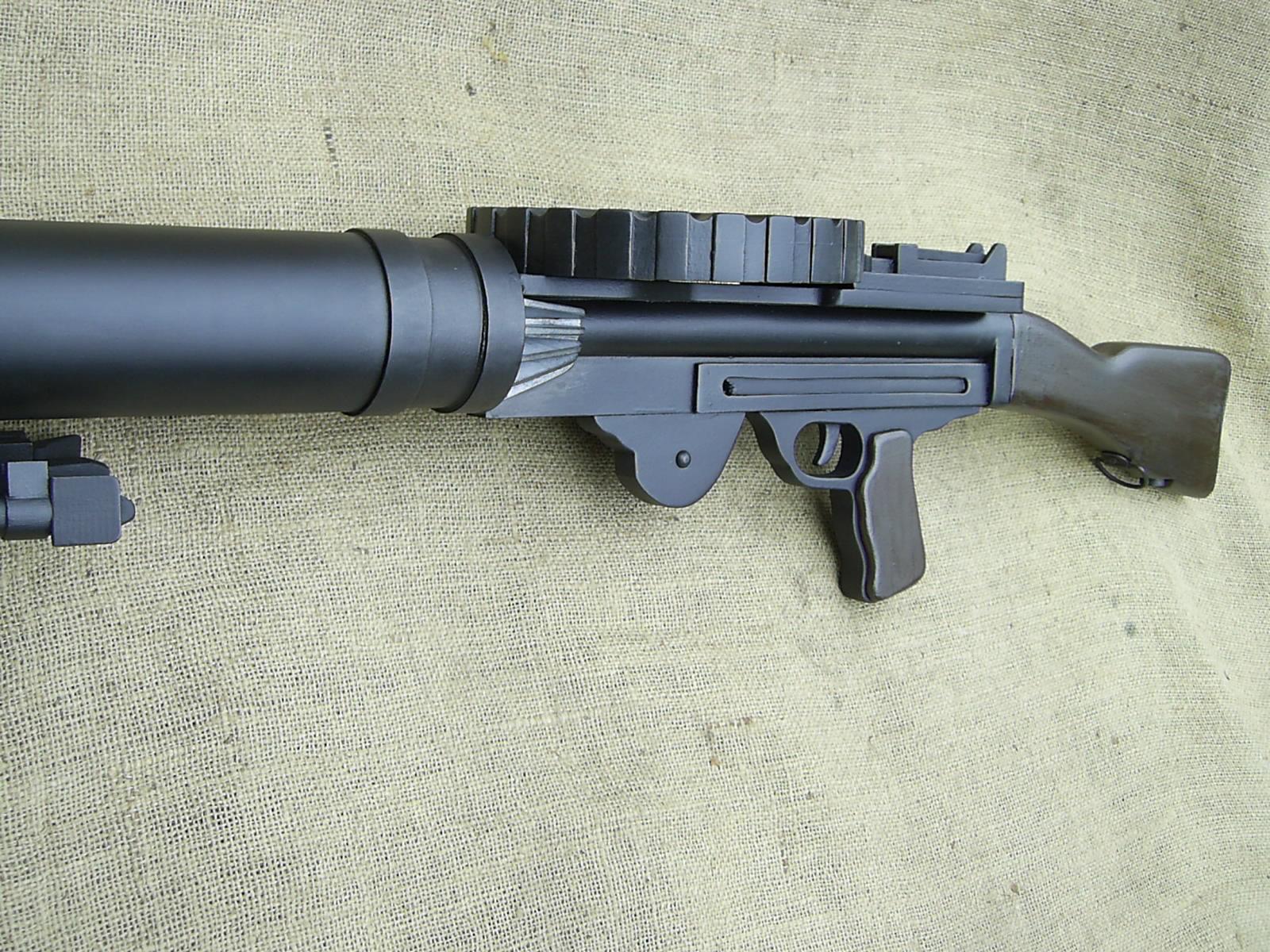 Lewis Mk1 Wood Replica Machine Gun, Infantry Pattern - Relics Replica Weapons