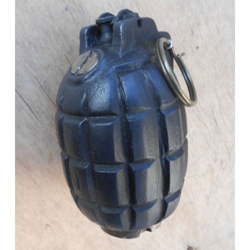 mills-bomb-no5-ww1-trench-grenade-heavy-resin-replica