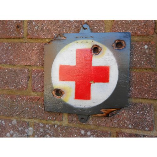 First Aid Wooden Sign - Relics Replica Weapons